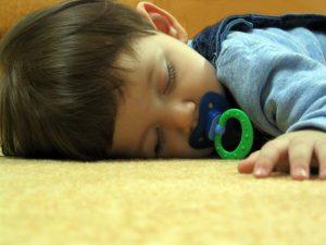 sleeping-1310748-640x480